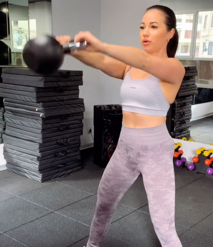 kettlebell-swing-fitness-oefening-fitlady